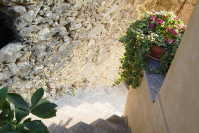 scale borgo